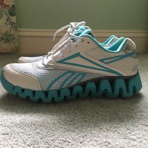 Reebok Size 7 Womens Sneakers - Teal